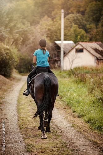 Poster de jardin Vache Horse Riding Is So Relaxing