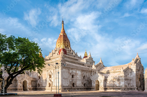 Foto op Aluminium Historisch geb. Ananda Phaya Temple in Bagan, Myanmar