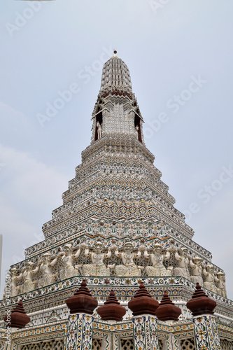 Foto  tiled pagoda at the temple of the sun or dawn temple