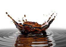 Liquid Coffee Crown Splash Clo...