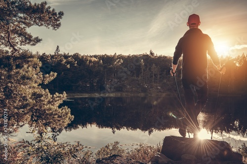 Foto op Canvas Ontspanning Hiker and Scenic Lake