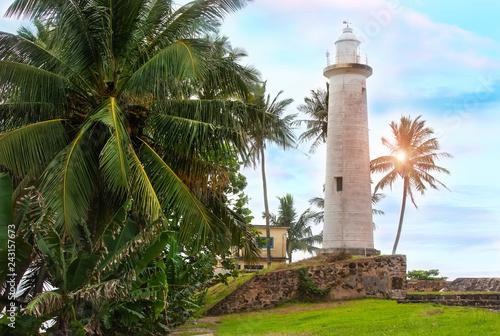 Montage in der Fensternische Leuchtturm White lighthouse.