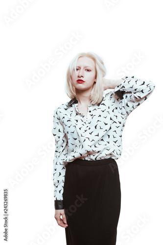 Photo portrait blonde albino girl in studio on white background