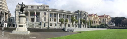 Fotografía WELLINGTON, NEW ZEALAND - SEPTEMBER 5th, 2018: New Zealand Parliament Buildings on a sunny day