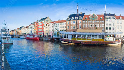 Canvas Prints Ship Panoramic view of the Nyhavn city during the Christmas holidays