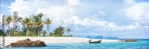 In de dag Tropical strand Asian tropical beach paradise in Thailand