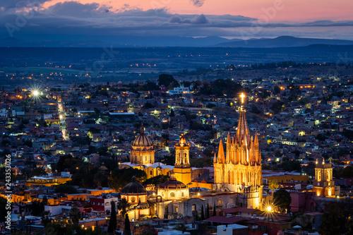 Fototapeta premium San Miguel de Allende at Dusk, Guanajuato, Meksyk