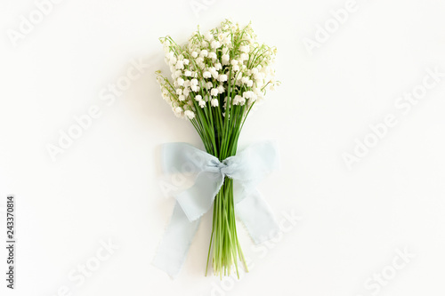 Poster Muguet de mai Bouquet of lilies of the valley tied with a ribbon