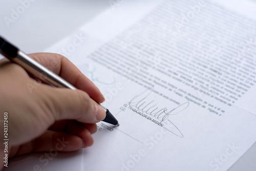 Fototapeta  Firma contrato 1