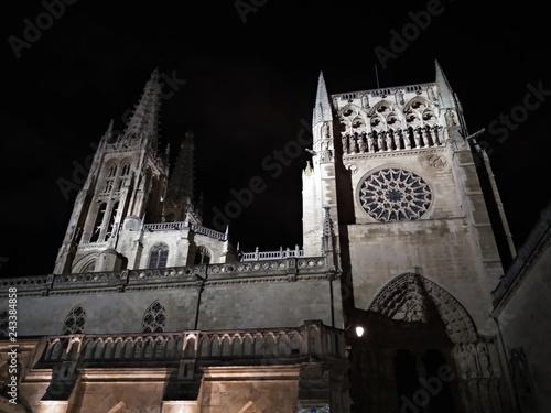Fotografía  Catedral de Burgos en la noche.