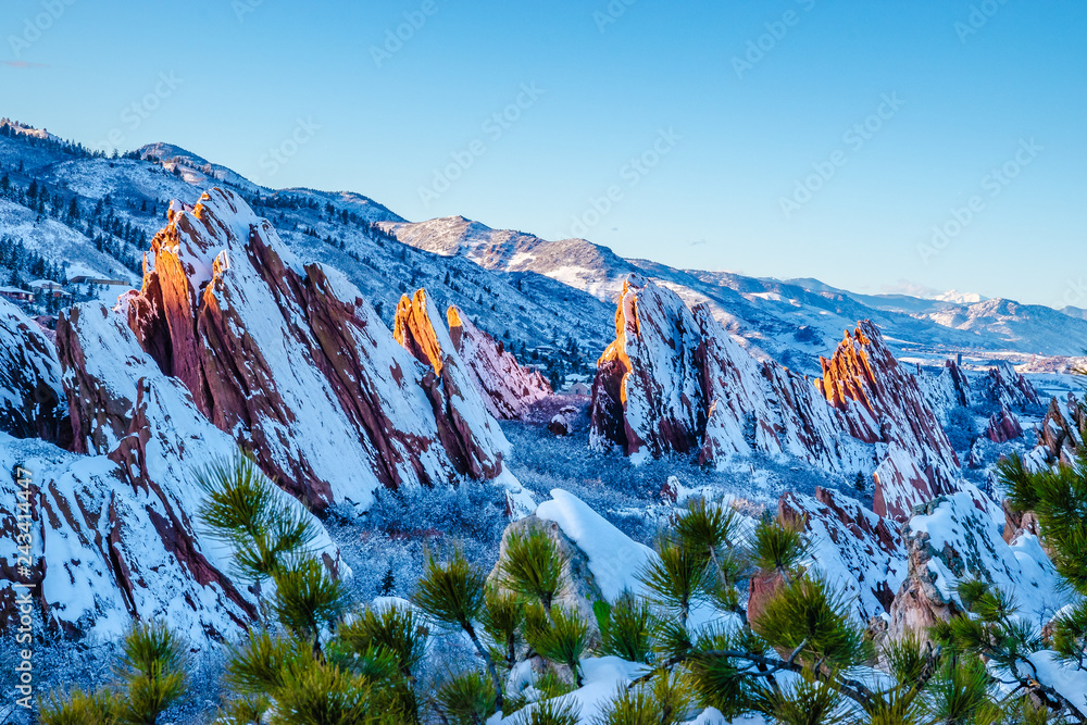 Fototapeta Hiking in the Red Rocks in Winter in Denver, Colorado