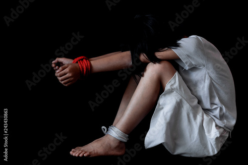 Photo Kidnapped little girl tied with rope