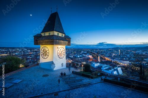 Deurstickers Centraal Europa Grazer Uhrturm at night, Styria, Austria