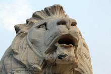 Antique Lion Statue At Victori...
