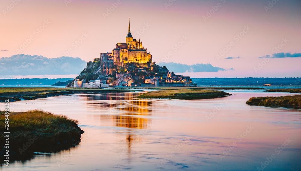 Fototapety, obrazy: Mont Saint-Michel at twilight, Normandy, France