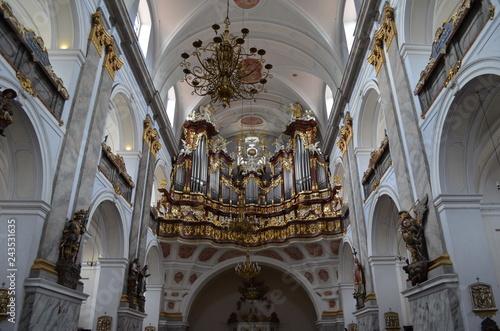 Barokowe organy w Bazylice Nawiedzenia Najświętszej Maryi Panny w Bardzie, Bardo, Polska