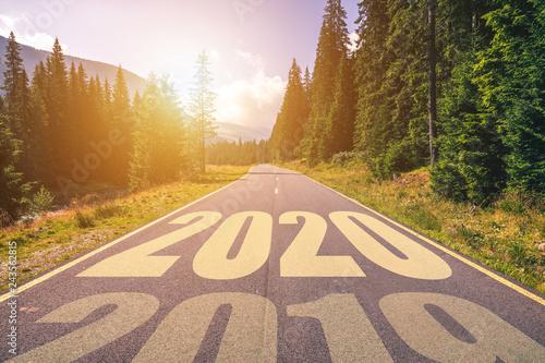 Fotografia  Empty asphalt road and New year 2020 concept