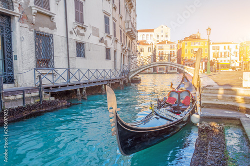 Cadres-photo bureau Gondoles Venice canal traditional gondola landmark, old architecture