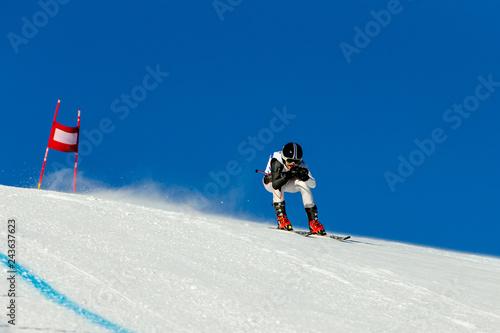 racer riding in downhill skiing competition alpine skiing Tapéta, Fotótapéta