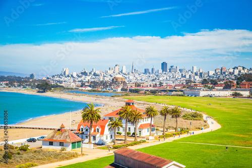 Keuken foto achterwand Amerikaanse Plekken San Francisco skyline with Crissy Field, California, USA