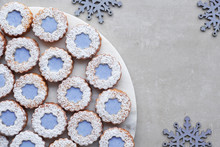 White And Blue Flower Linzer C...