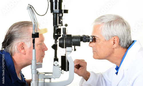 Cuadros en Lienzo An Ophthalmologist and patient with a Slit Lamp