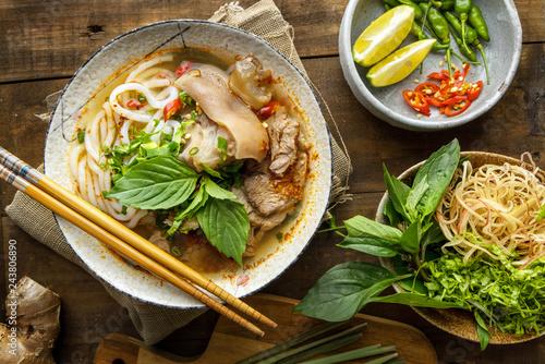 Photo Bun Bo Hue, Bun Bo, Vietnamese beef noodle soup spicy