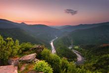 Spring Mountain / Panoramic Vi...