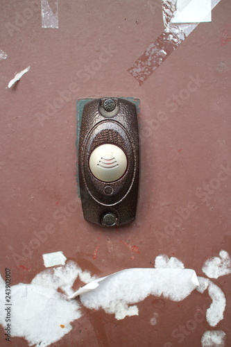 Fényképezés the bell on the red door