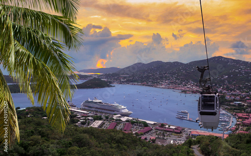 Foto op Plexiglas Caraïben View at st. Thomas harbor from Paradise Point