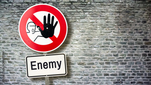 Cuadros en Lienzo Sign 389 - Enemy