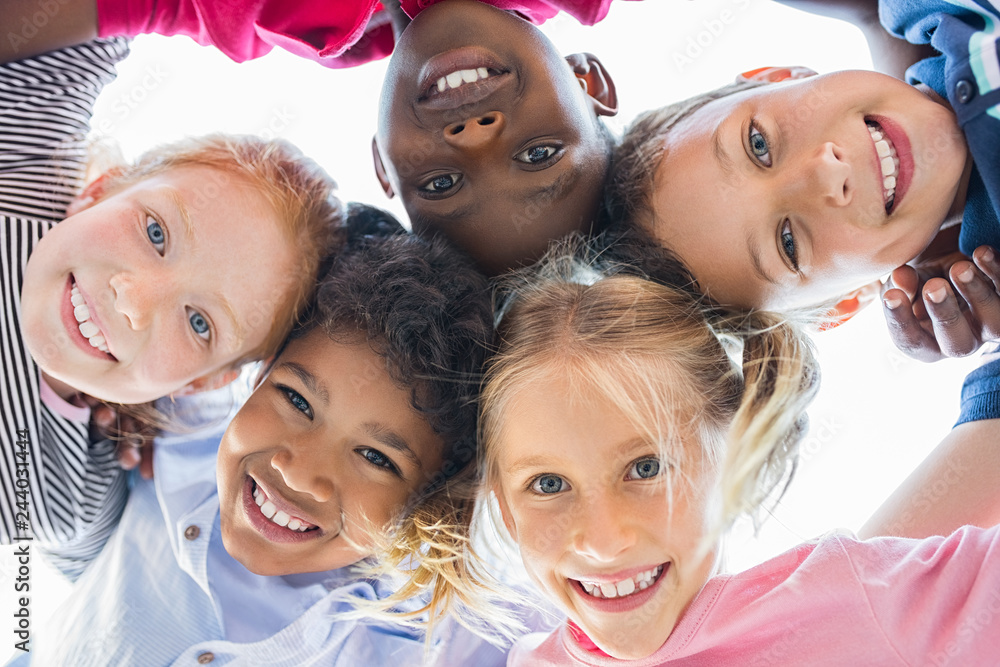 Fototapety, obrazy: Multiethnic children in a circle