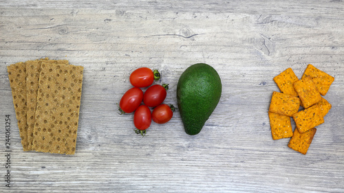 Photo  food, fresh vegetables and bread on wooden table