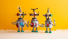 Funny Glass Headed Ufo Robots ...
