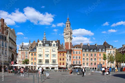 Lille (France) / Grand place avec beffroi CCI Wallpaper Mural