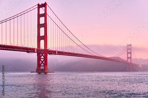 Keuken foto achterwand Amerikaanse Plekken Golden Gate Bridge at sunrise, San Francisco, California