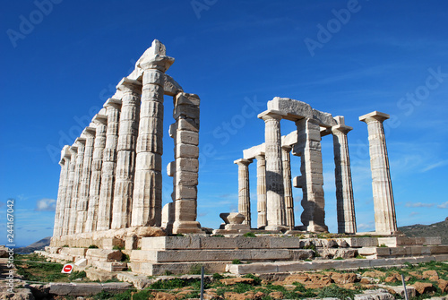 Foto  The Temple of Poseidon at Cape Sounion, Greece