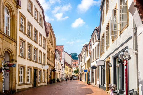 Montage in der Fensternische Europäische Regionen Osnabrück, Altstadt