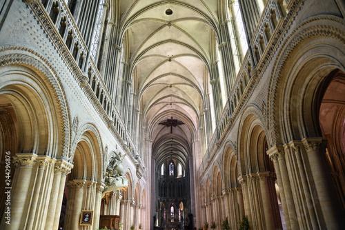 Poster Monument Nef gothique de la cathédrale de Bayeux, France