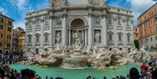 Fountain Di Trevi In Historic ...