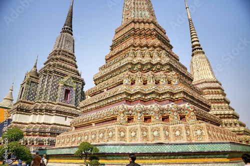 Foto  Wat Pho, Bangkok, Thailand as a famous landmark that attract travellers all over the world