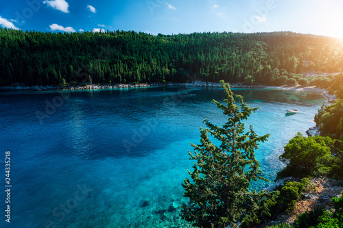 Fotografía  Tranquil and idyllic Foki Beach with crystal clear and transparent water, beauti