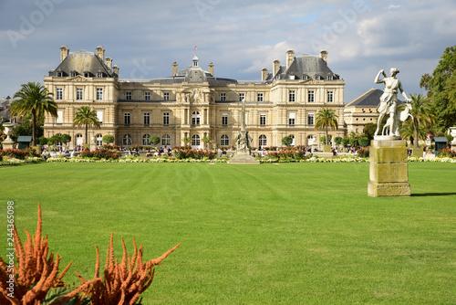 Palais et jardin du Luxembourg à Paris, France Slika na platnu