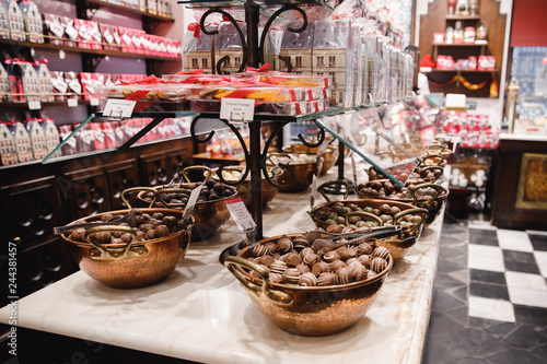 In de dag Brugge Belgium traditional chocolate brussels shop bakery candy