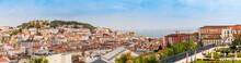 Aussicht In Lissabon Auf Castelo Sao Jorge Und Den Fluß Tejo