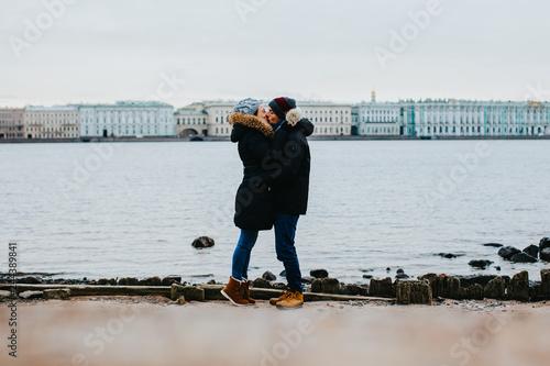 Deux amoureux à Saint Petersbourg Wallpaper Mural