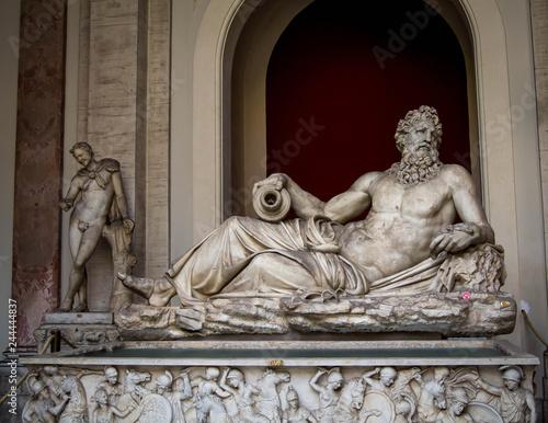 Fotografie, Obraz  Statue of a river god