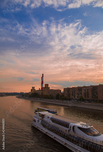 Deurstickers Asia land Beautiful night Moscow veiw under sunset blue sky with clouds. Boat trip on Moscow river.