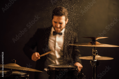 professional drummer - 244489028