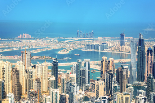 Poster Moyen-Orient Aerial view of Dubai Marina skyline, Palm Jumeirah in the background, United Arab Emirates